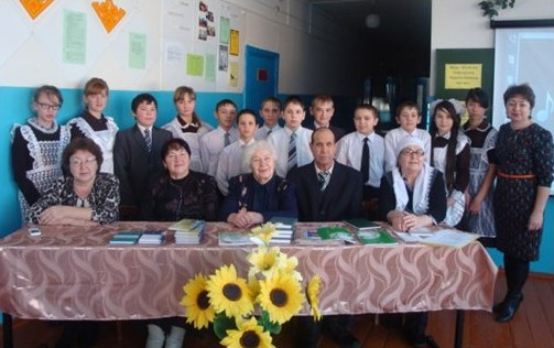 Татарстанның атказанган мәдәният хезмәткәре Клара Гариф кызы Булатова белән очрашу