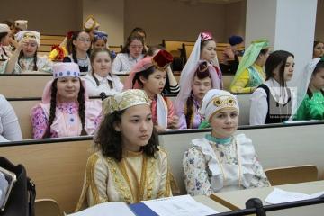 Казанда татар теле һәм әдәбиятыннан V Халыкара олимпиада уза (фото: Татар-Информ)