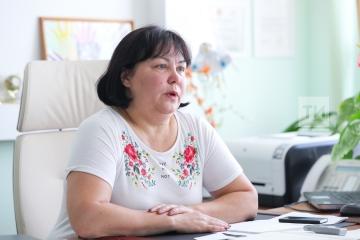 Татар телен өйрәнүгә өстәмә тел белү мөмкинлеге итеп карыйлар – 33 нче мәктәп директоры