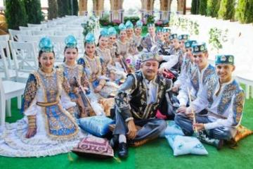 Татарстан Республикасы фольклор музыкасы дәүләт ансамбле сәнгать дәресләре уздыра