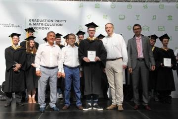Миңнеханов һәм Никифоров Иннополис университетын тәмамлаучыларга дипломнар тапшырды