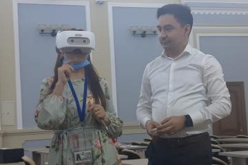 VR-шлем ярдәмендә укытучыларның мөмкинлекләрен  арттырырга телиләр