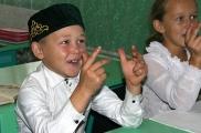 Соңгы дәрес. Балалар белән елап хушлаштык Фото: vatantat.ru