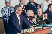Мәктәптә рус һәм татар телләрен бертигез өйрәнү өстенлекле бурычка әйләнде – Президент