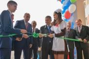 Татарстан Президенты Азнакайда яңа мәктәп ачылышында катнашты