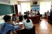 Казахстанның Павлодар шәһәрендә Татарстан егете  татар теле укыта